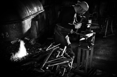 Owen Bush, blacksmith and swordmaker, Kent